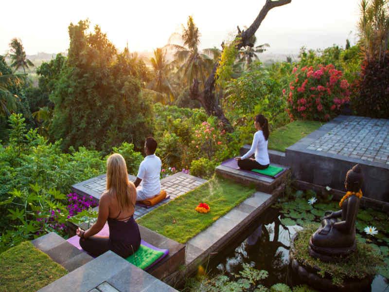 7 incre bles lugares para meditar y hacer yoga en el mundo - Un lugar para meditar ...